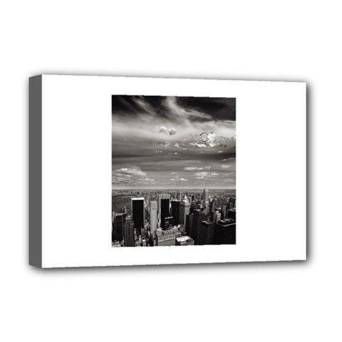 New York Deluxe Canvas 18  x 12  (Stretched)