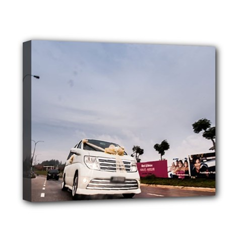Wedding Car 8  x 10  Framed Canvas Print