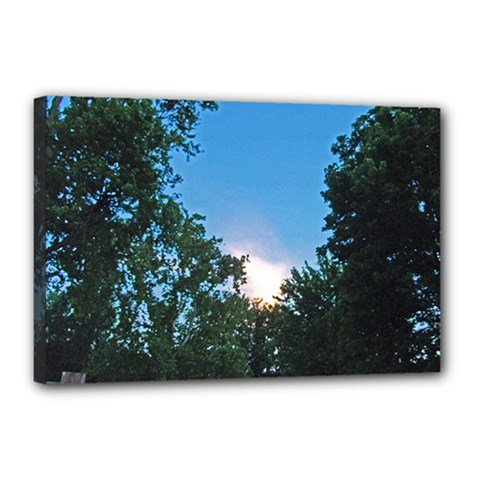 Coming Sunset Accented Edges Canvas 18  x 12  (Framed)