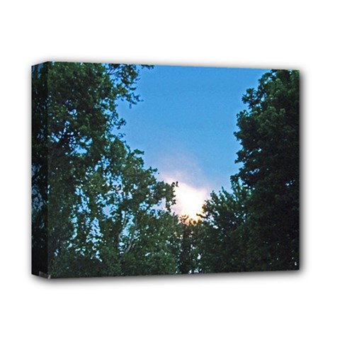 Coming Sunset Accented Edges Deluxe Canvas 14  x 11  (Framed)