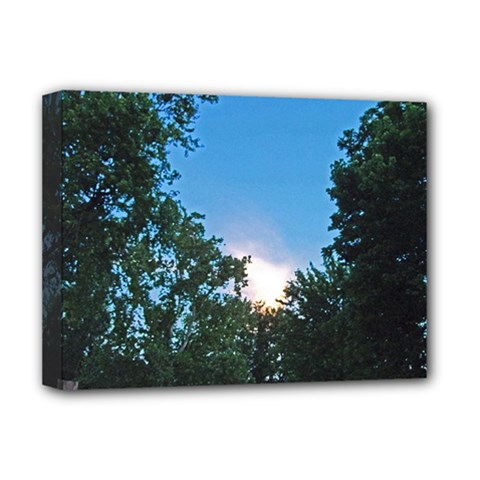 Coming Sunset Accented Edges Deluxe Canvas 16  x 12  (Framed)