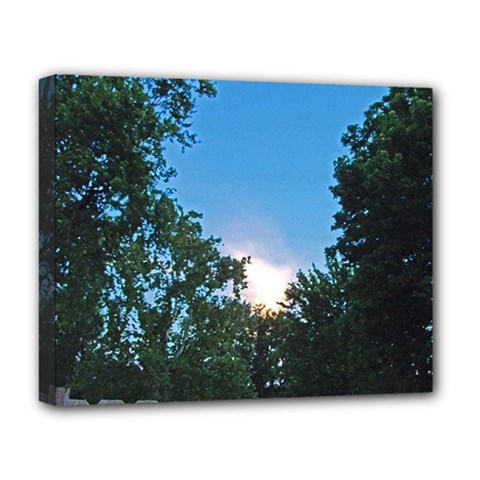 Coming Sunset Accented Edges Deluxe Canvas 20  X 16  (framed)