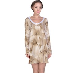 Elegant Floral Pattern in Light Beige Tones Long Sleeve Nightdress
