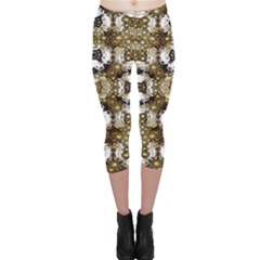 Baroque Ornament Pattern Print Capri Leggings