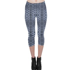 Futuristic Grid Pattern Design Print in Blue Tones Capri Leggings