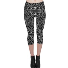 Black and White Tribal Geometric Pattern Print Capri Leggings