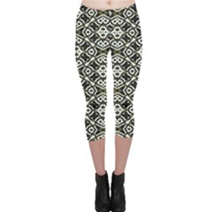 Abstract Geometric Modern Pattern Capri Leggings