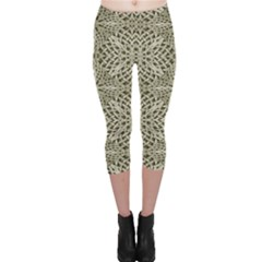 Silver Intricate Arabesque Pattern Capri Leggings
