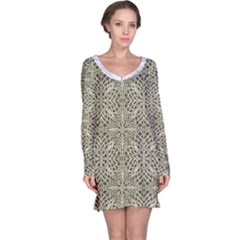Silver Intricate Arabesque Pattern Long Sleeve Nightdress