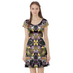 Geometric Grunge Pattern Print Short Sleeved Skater Dress