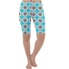 Floral Pattern On A Blue Background Cropped Leggings
