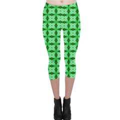 Green Abstract Tile Pattern Capri Leggings