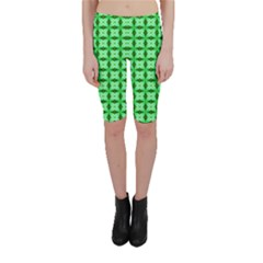 Green Abstract Tile Pattern Cropped Leggings