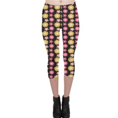 Cute Floral Pattern Capri Leggings