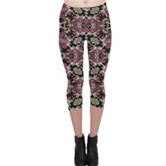 Floral Arabesque Print Capri Leggings
