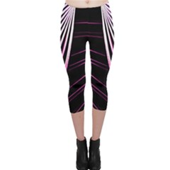 Bending Abstract Futuristic Print Capri Leggings