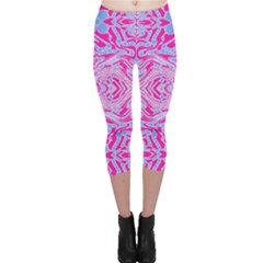 Trippy Florescent Pink Blue Abstract  Capri Leggings