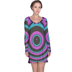 Distorted concentric circles nightdress