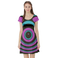 Distorted concentric circles Short Sleeve Skater Dress