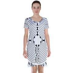 Finger labyrinth Short Sleeve Nightdress