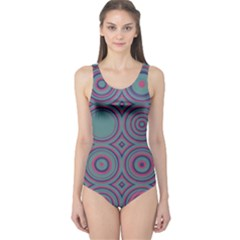 Concentric circles pattern Women s One Piece Swimsuit
