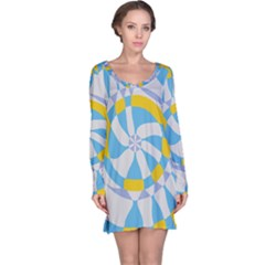 Abstract flower in concentric circles nightdress