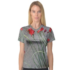 Red Flowers Women s V-Neck Sport Mesh Tee