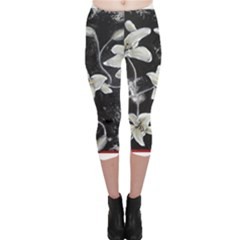 Black and White Lilies Capri Leggings