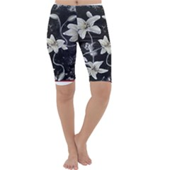 Black and White Lilies Cropped Leggings