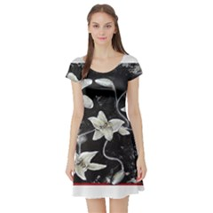 Black and White Lilies Short Sleeve Skater Dresses