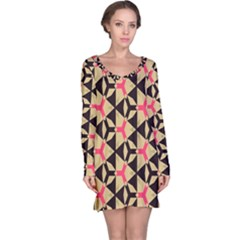 Shapes in triangles pattern nightdress