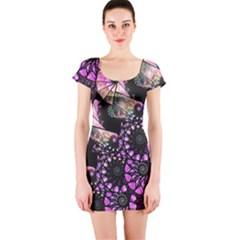 Hippy Fractal Spiral Stacks Short Sleeve Bodycon Dress