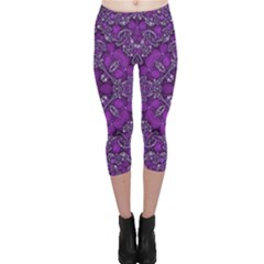 Crazy Beautiful Abstract  Capri Leggings