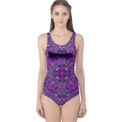 Crazy Beautiful Abstract  Women s One Piece Swimsuits