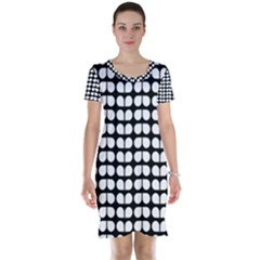 Black And White Leaf Pattern Short Sleeve Nightdresses