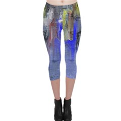 Hazy City Abstract Design Capri Leggings