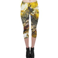 Surreal Capri Leggings