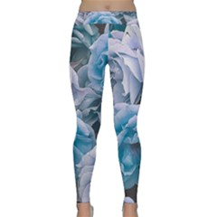 Great Garden Roses Blue Yoga Leggings