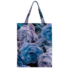 Great Garden Roses Blue Zipper Classic Tote Bags