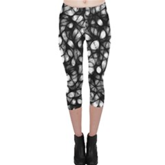 Chaos Decay Capri Leggings