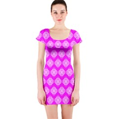 Abstract Knot Geometric Tile Pattern Short Sleeve Bodycon Dresses