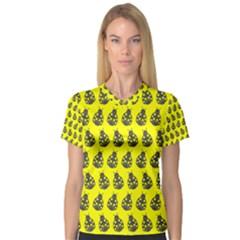 Ladybug Vector Geometric Tile Pattern Women s V-Neck Sport Mesh Tee