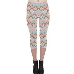 Trendy Chic Modern Chevron Pattern Capri Leggings