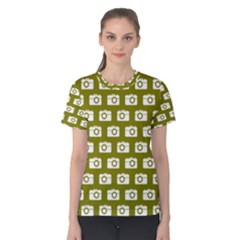 Modern Chic Vector Camera Illustration Pattern Women s Cotton Tees