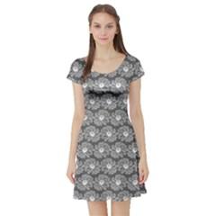 Gerbera Daisy Vector Tile Pattern Short Sleeve Skater Dresses