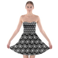 Black And White Gerbera Daisy Vector Tile Pattern Strapless Bra Top Dress