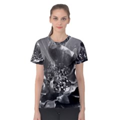 Black and White Rose Women s Cotton Tees