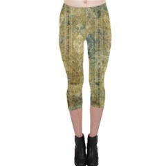 Beautiful  Decorative Vintage Design Capri Leggings
