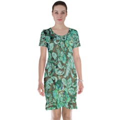 Beautiful Floral Pattern In Green Short Sleeve Nightdresses