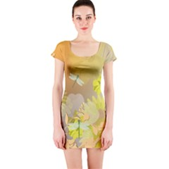 Beautiful Yellow Flowers With Dragonflies Short Sleeve Bodycon Dresses